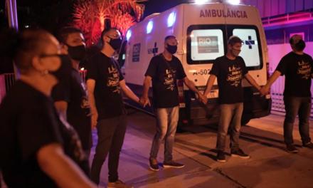 Pastor brasileño dirige oraciones en hospitales por pacientes con COVID-19