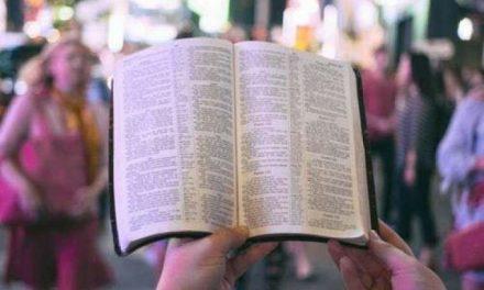 """Traductores de la Biblia se unen para """"que la Palabra de Dios sea accesible para todos en el 2033"""""""