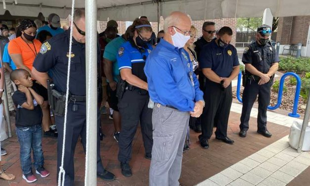 La oración es esencial y poderosa en la lucha contra pandemia, dice alcalde
