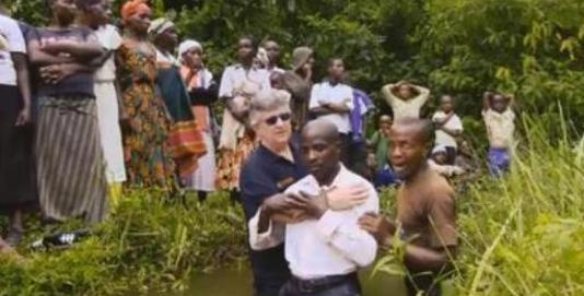 Comunidades tribales africanas en liberia escuchan hablar de Jesucristo por primera vez