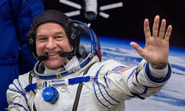 «Observé el trabajo de un Dios Infinito»: Astronauta de la NASA fortalece su fe en el espacio
